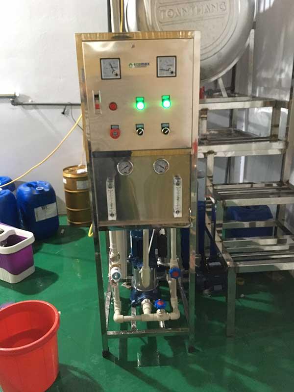 Máy lọc nước nhiễm mặn bằng màng lọc RO LG CHEM