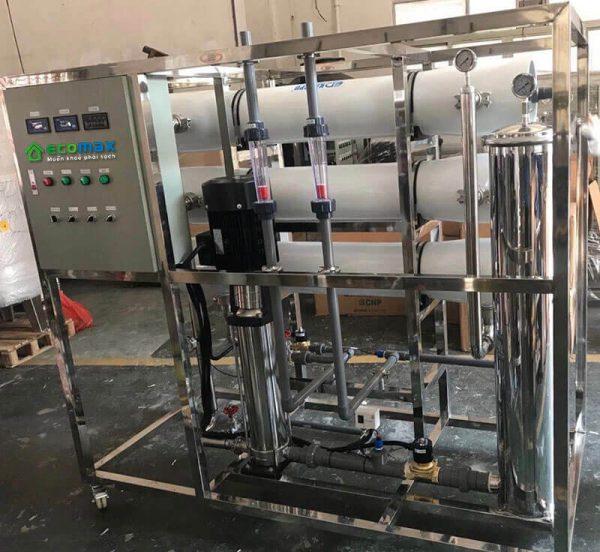 dây chuyền lọc nước nhiễm mặn công suất 3000lít/h Ecomax Water