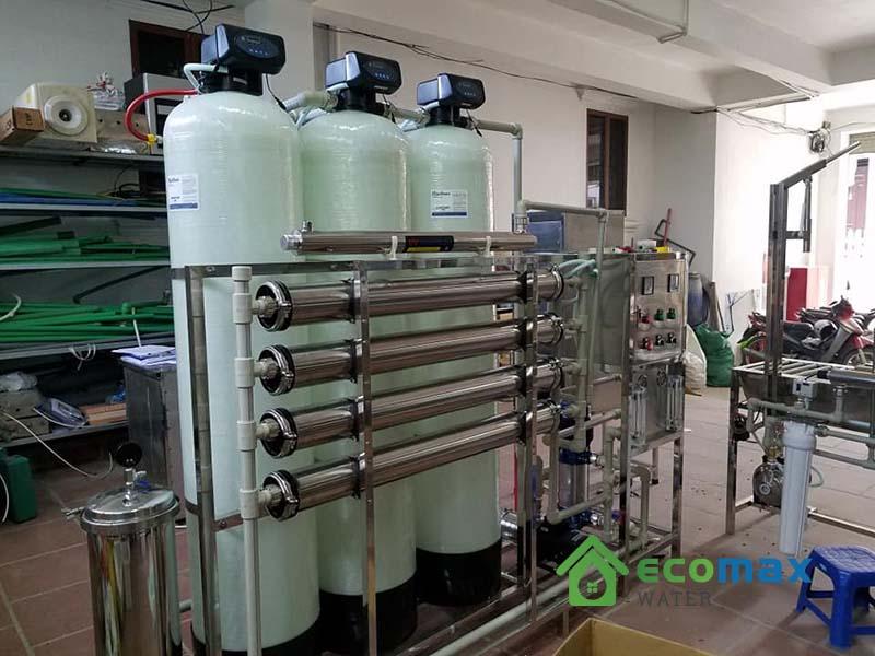 Dây chuyền lọc nước tinh khiết đóng bình 1000lít/giờ