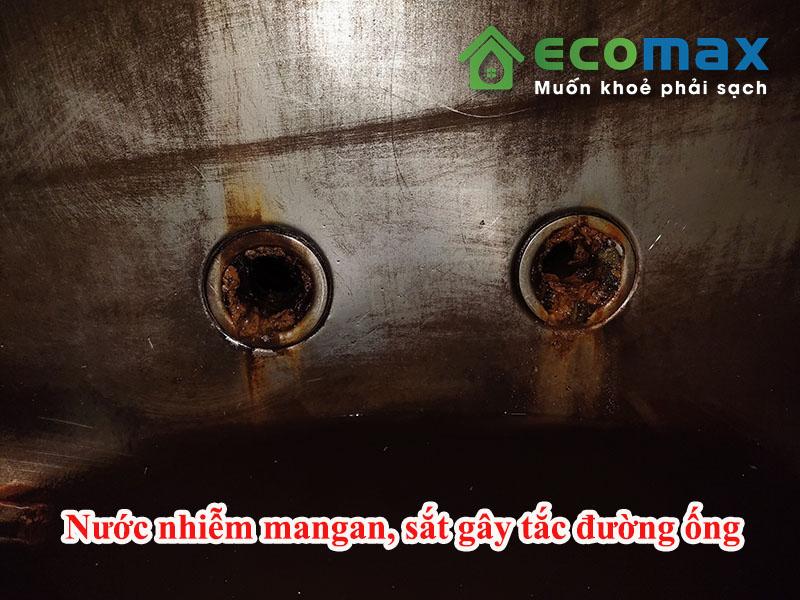 Ảnh hưởng nguồn nước nhiễm mangan và sắt gây tắc đường ống