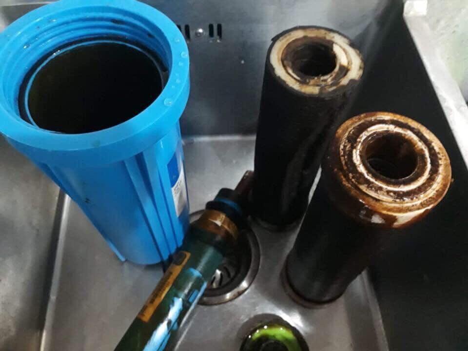 Kiểm tra và thay lõ lọc nước định ký theo khuyên cáo của nhà sản xuất.